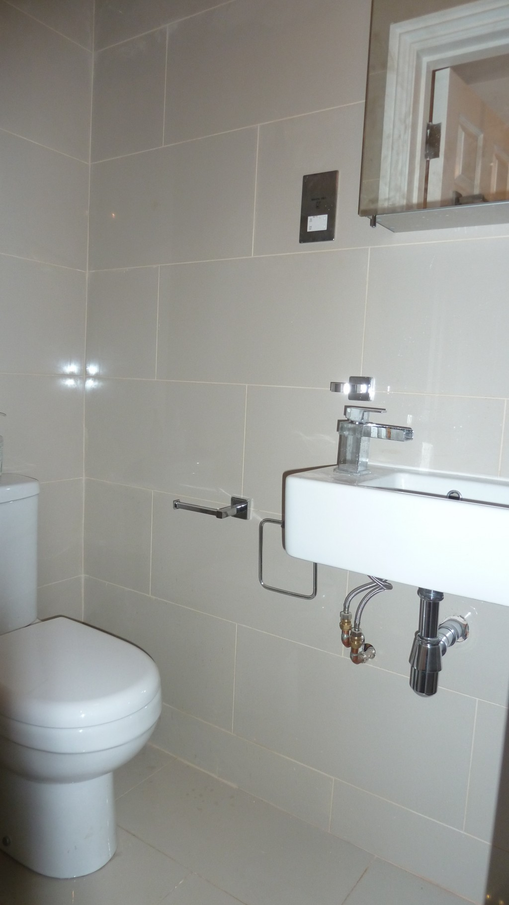 1 bedroom apartment flat/apartment To Let in London - Fully tiled