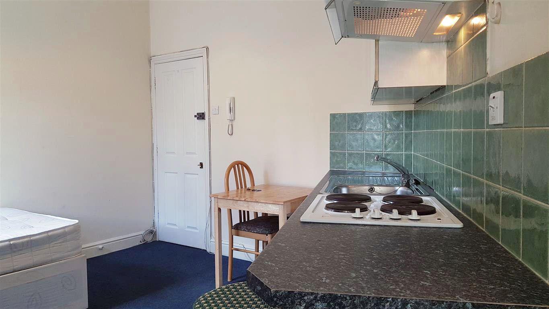 1 bedroom studio flat/apartment Let in Willesden - Dining Area