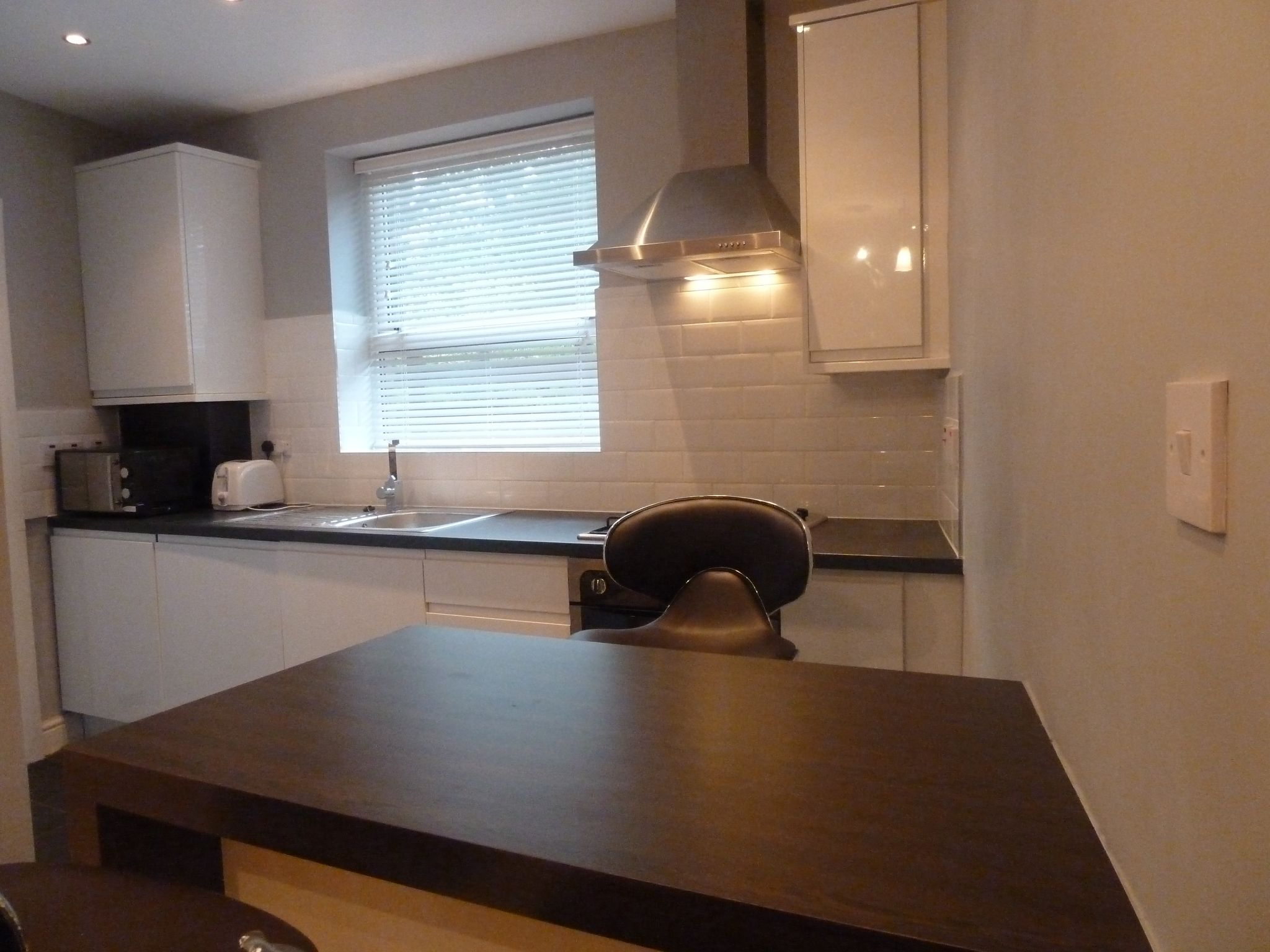 1 bedroom flat flat/apartment To Let in Brent - Intergrated appliances