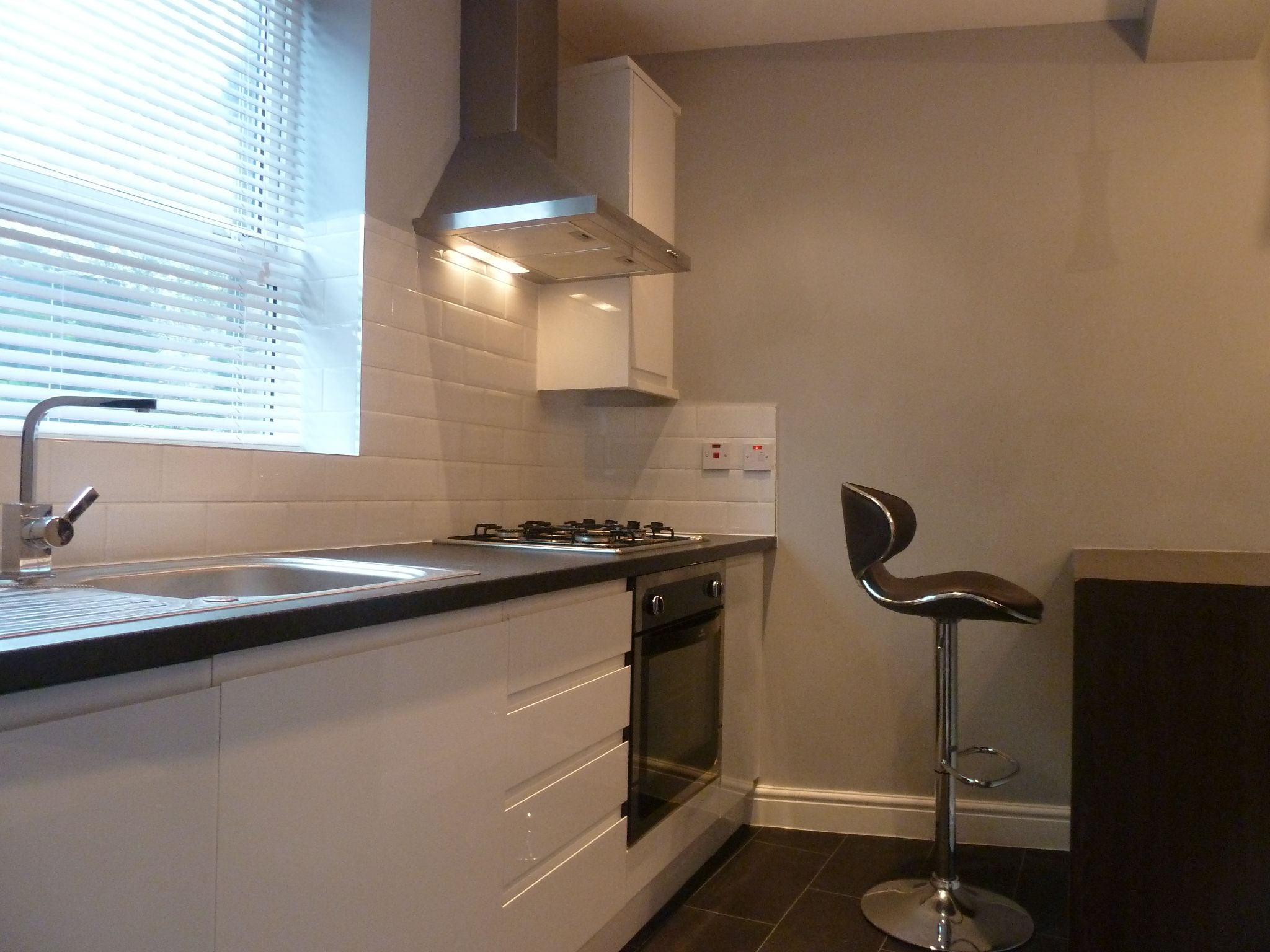 1 bedroom flat flat/apartment To Let in Brent - Fully fitted kitchen
