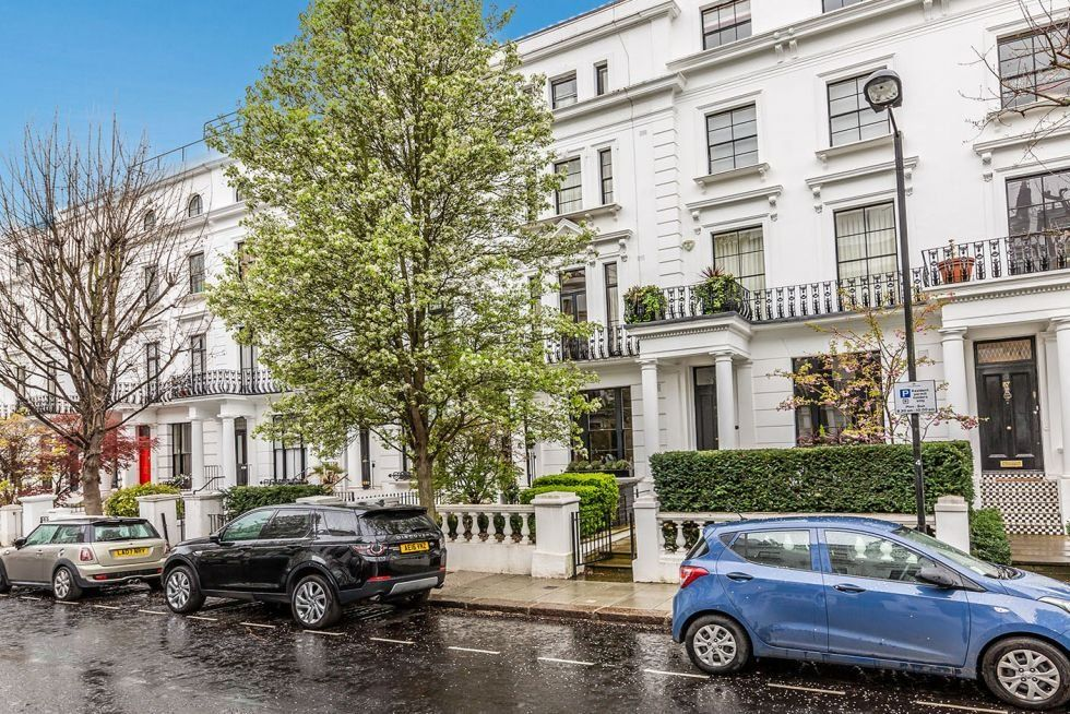 1 bedroom apartment flat/apartment To Let in London - FRONT OF PROPERTY