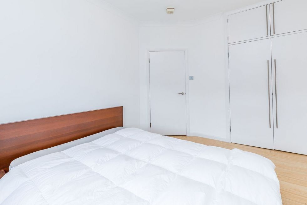 1 bedroom apartment flat/apartment To Let in London - FITTED WARDROBES