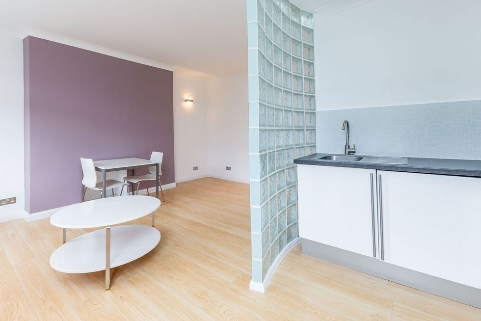 1 bedroom apartment flat/apartment To Let in London - WOODEN FLOORING THROUGHOUT