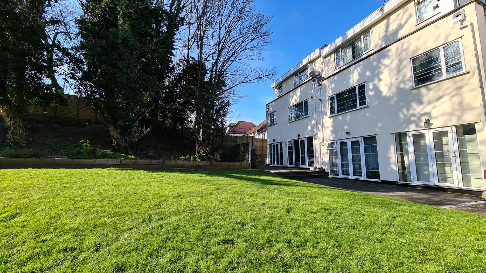 1 bedroom flat flat/apartment To Let in Wembley - Shared Garden