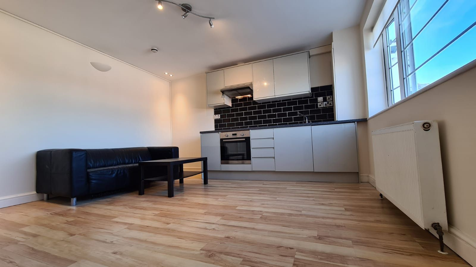 1 bedroom flat flat/apartment To Let in Wembley - Fully Fitted Kitchen