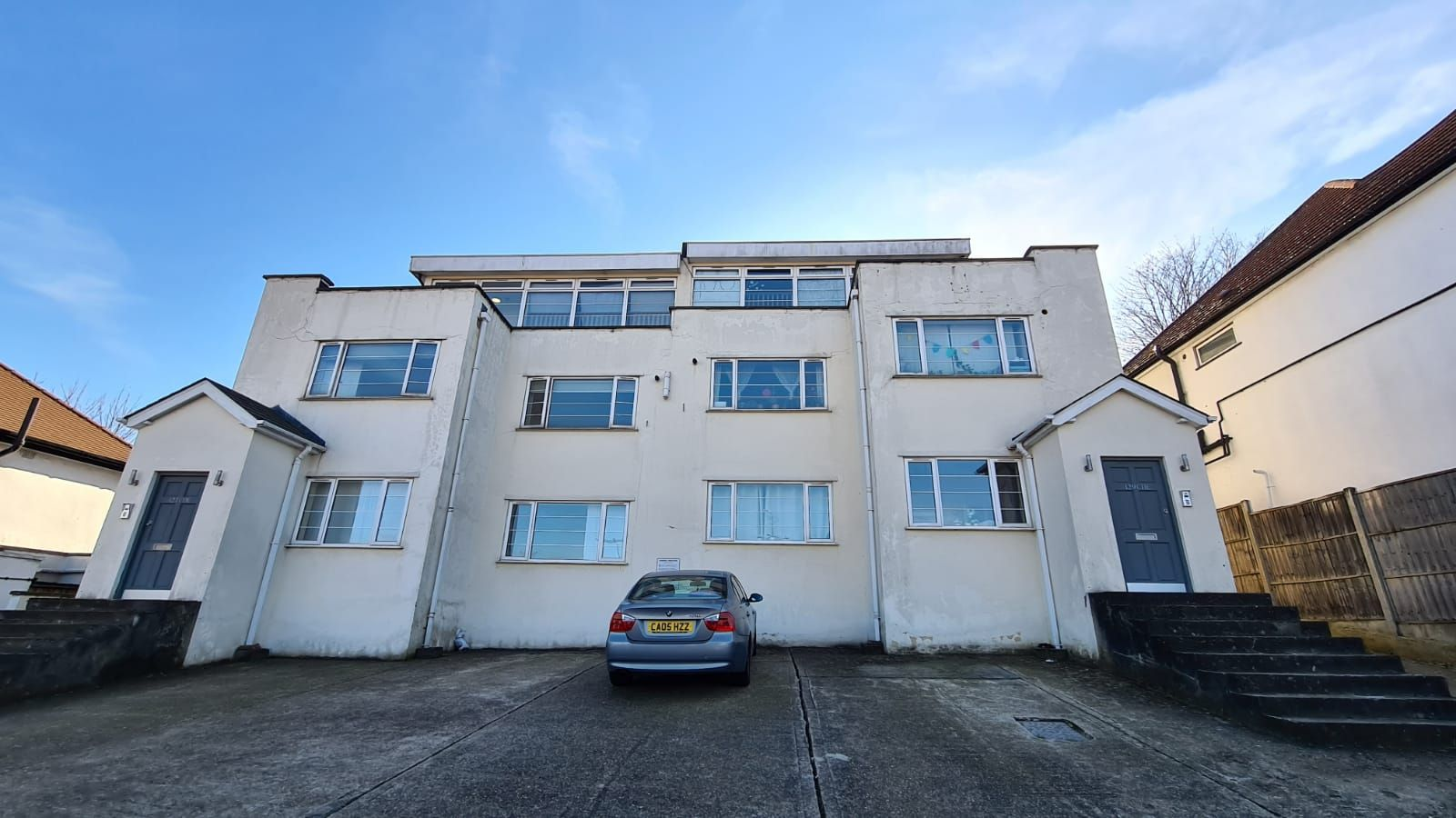 1 bedroom flat flat/apartment To Let in Wembley - Driveway