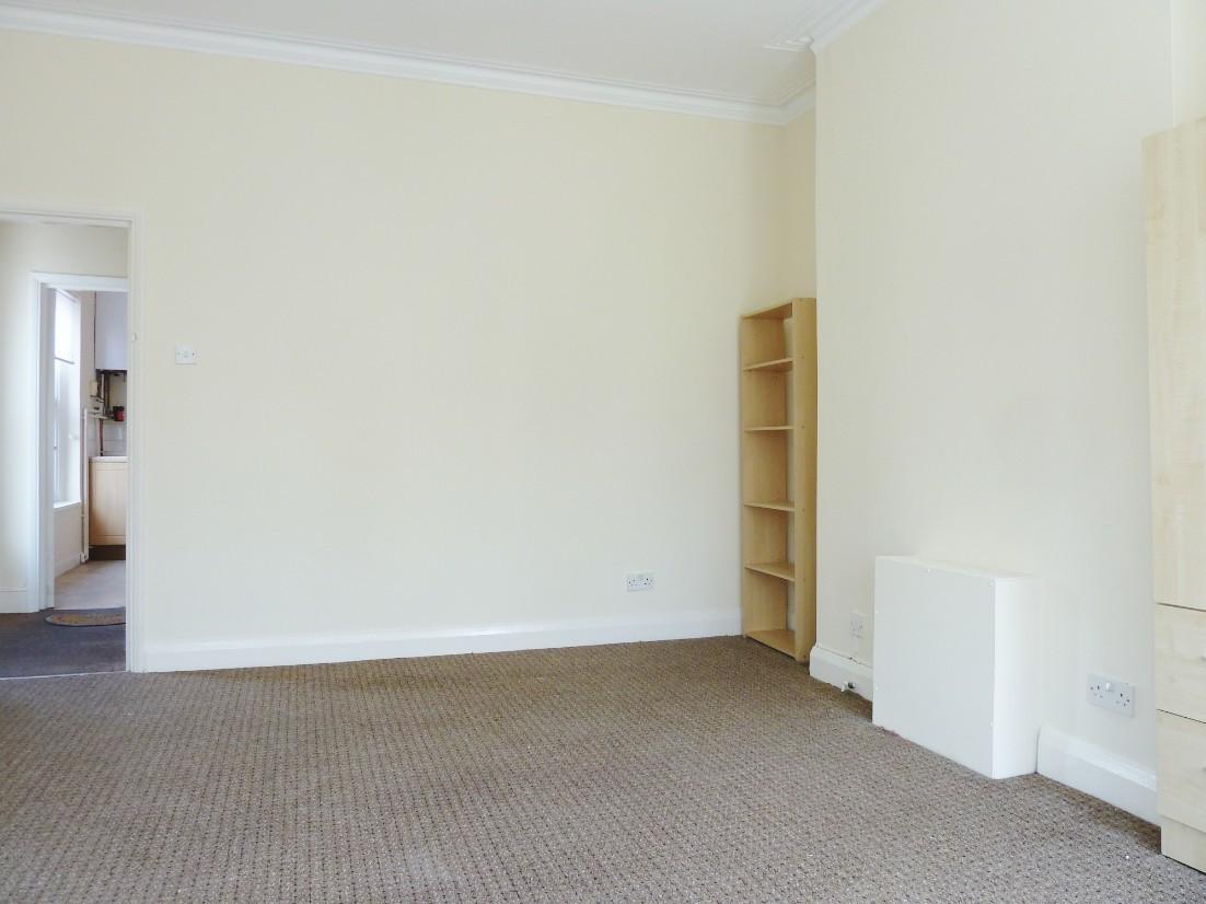 2 bedroom flat flat/apartment To Let in London - Floorplan 1