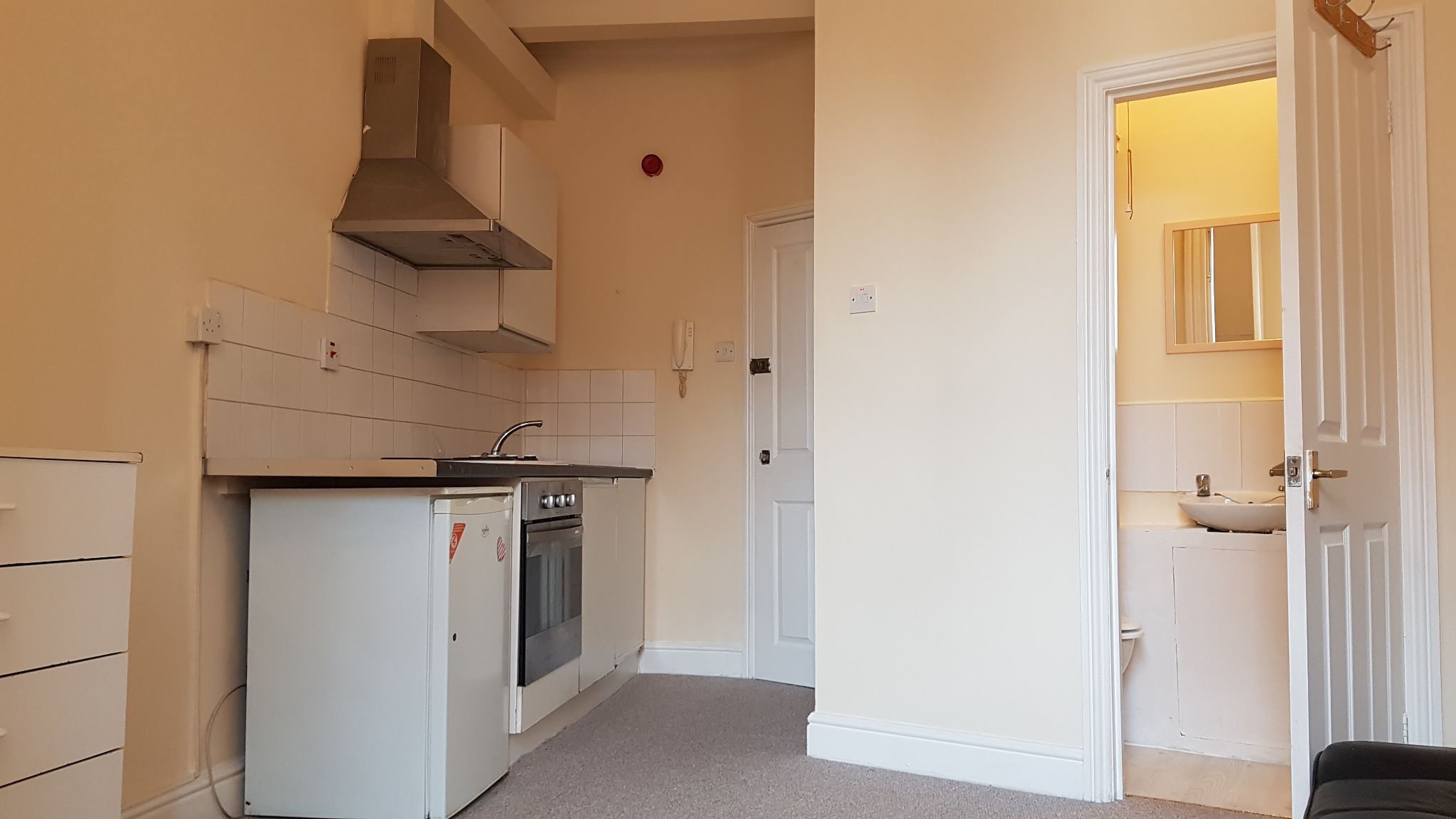 1 bedroom studio flat/apartment Let in Willesden - Studio flat/fully furnished