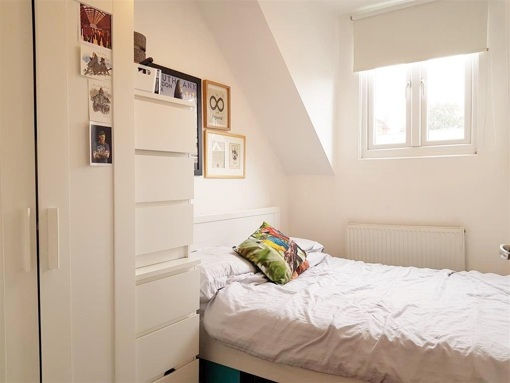 2 bedroom flat flat/apartment To Let in Willesden - Bed 2 Gas Central Heated