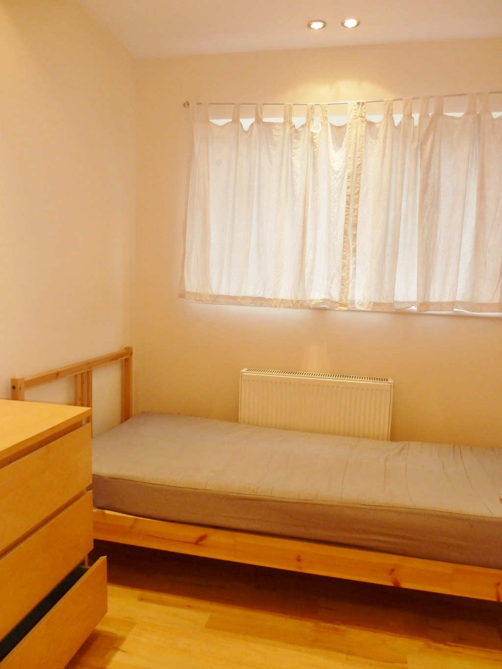 2 bedroom flat flat/apartment Under Offer in Wembley - Second Double Bedroom