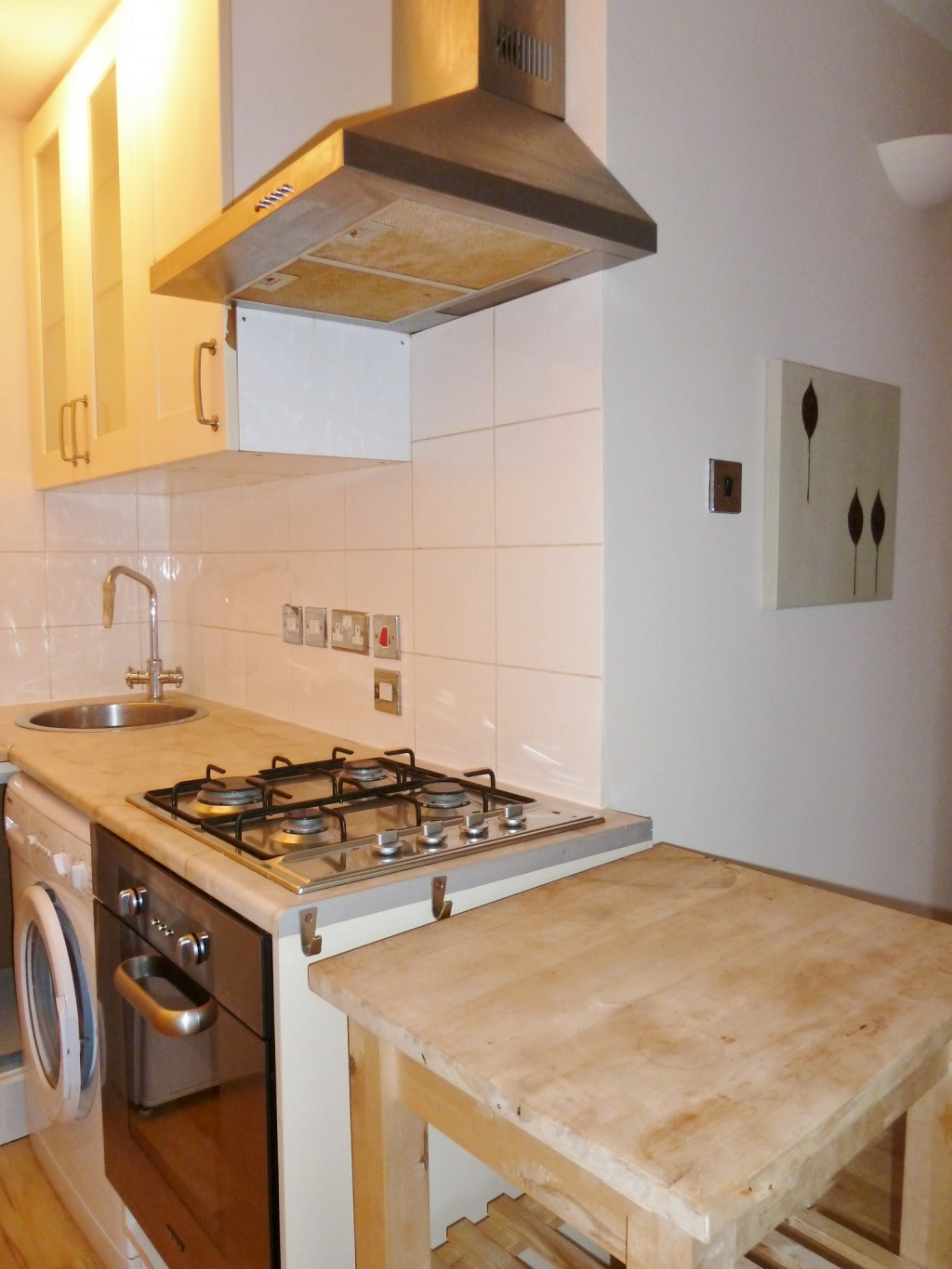 2 bedroom flat flat/apartment Under Offer in Wembley - FITTED Kitchen