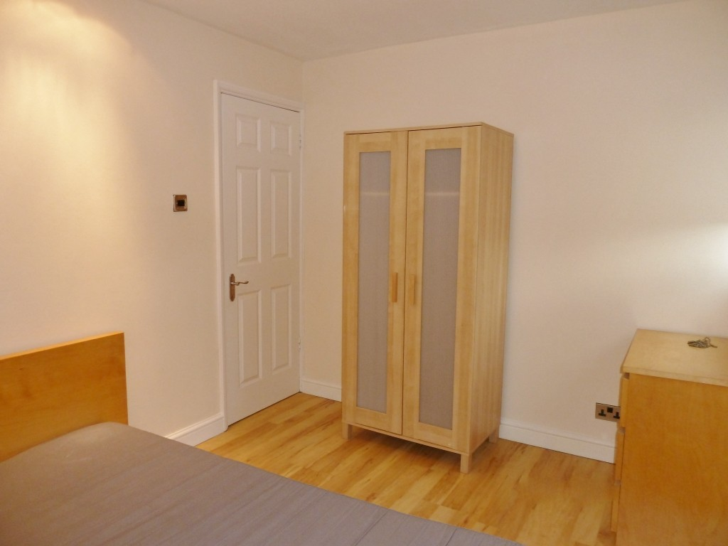 2 bedroom flat flat/apartment Under Offer in Wembley - First Double Bedroom