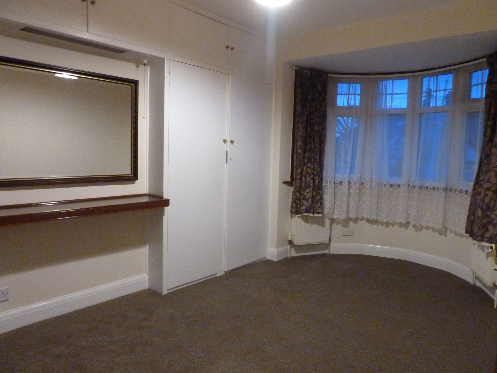 4 bedroom semi-detached house To Let in London - Bedroom 3