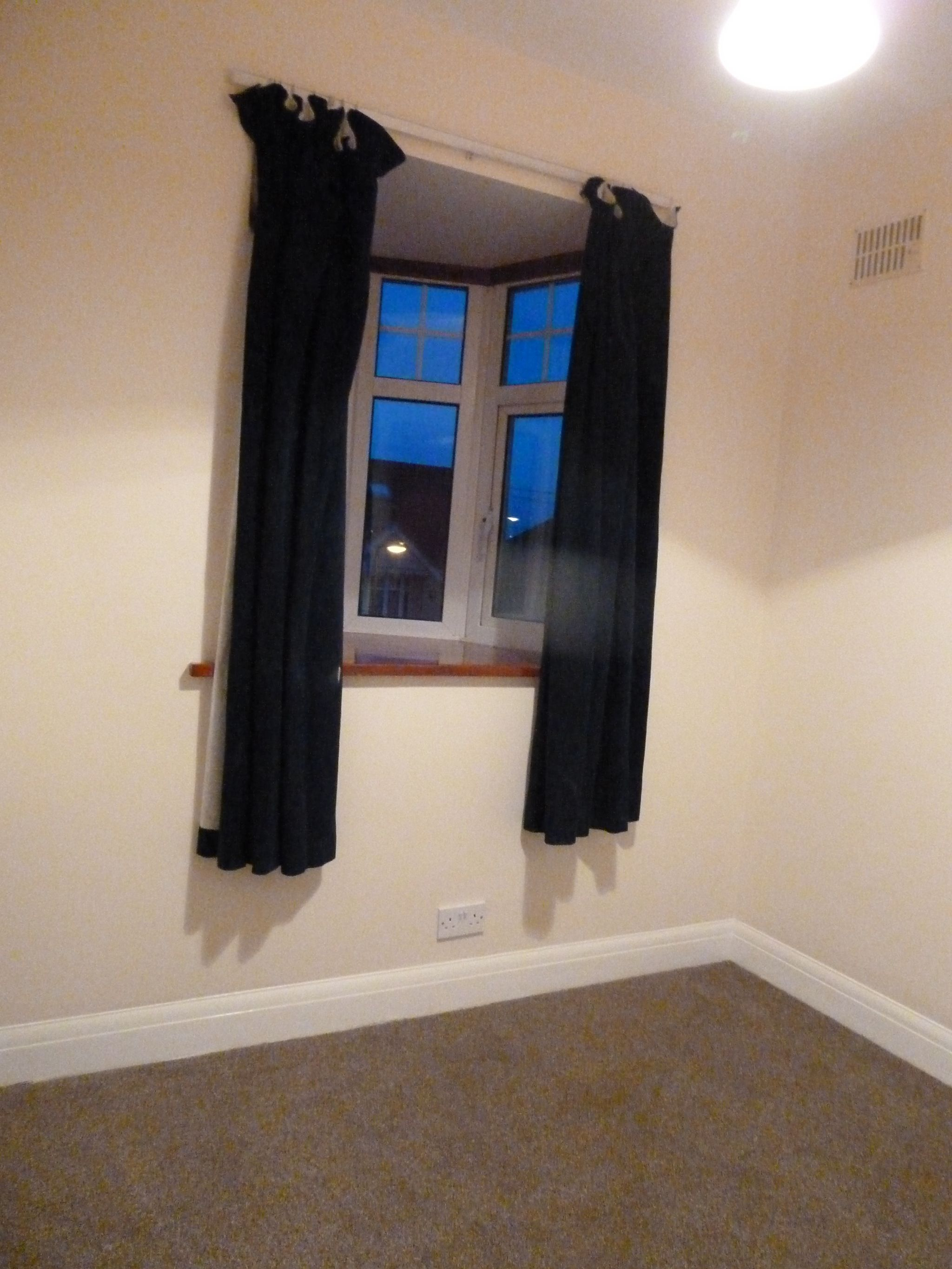 4 bedroom semi-detached house To Let in London - Bedroom 4