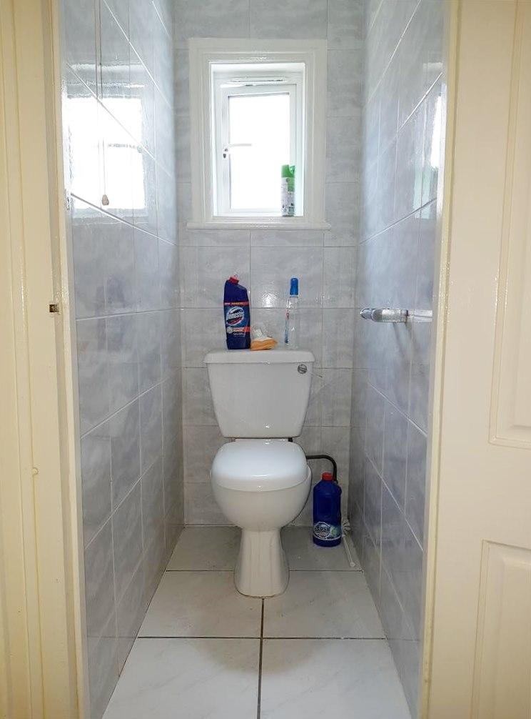 1 bedroom shared flat/apartment To Let in Willesden - Fully Tiled Separate W.C.