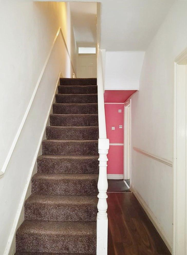 1 bedroom shared flat/apartment To Let in Willesden - Communal Hallway