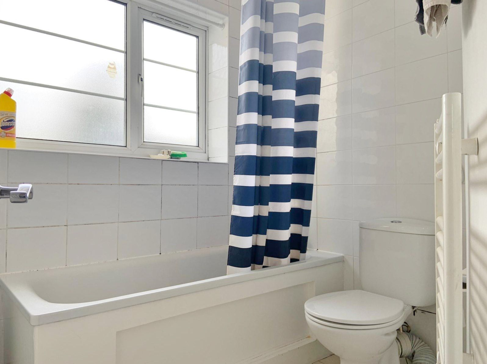 2 bedroom flat flat/apartment To Let in Wembley - 3-piece bathroom