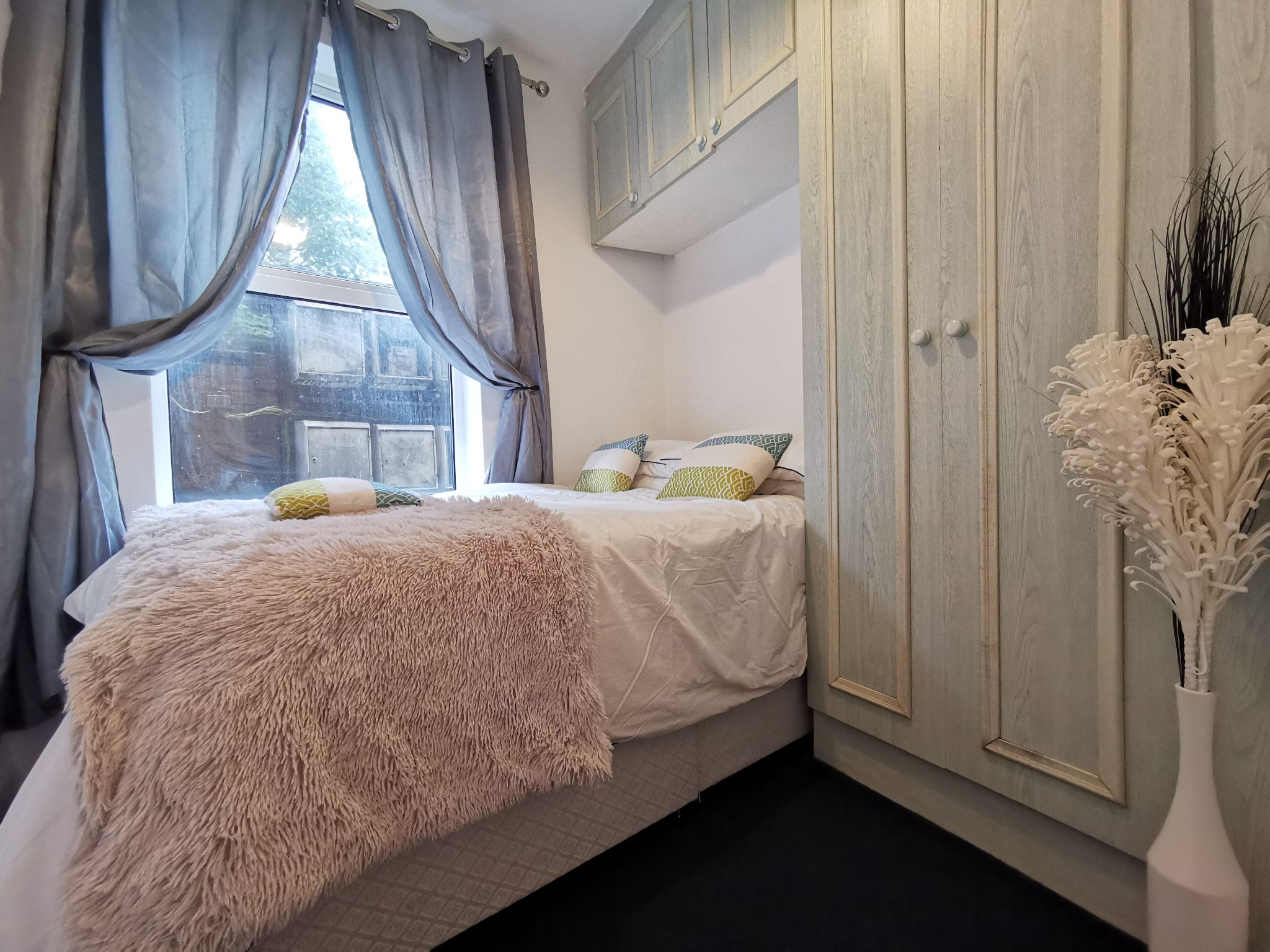 1 bedroom apartment flat/apartment To Let in Willesden - Photograph 1