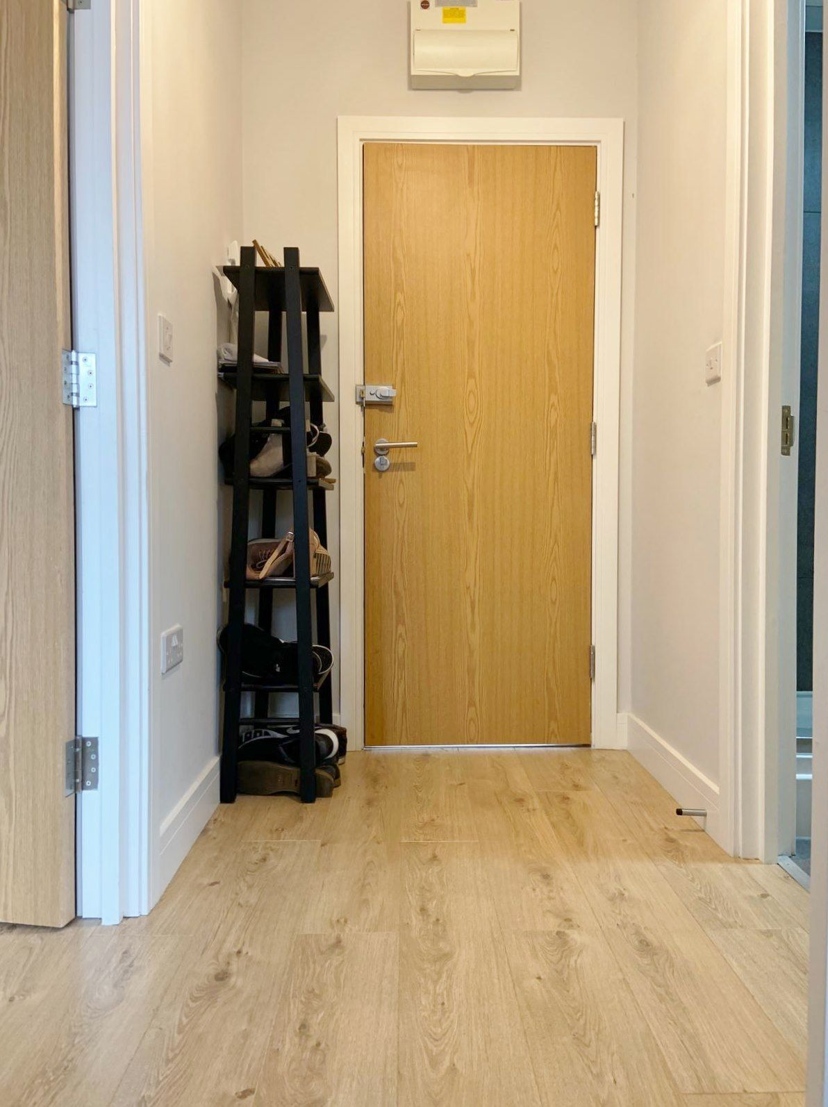 1 bedroom apartment flat/apartment To Let in Kingsbury - Hallway