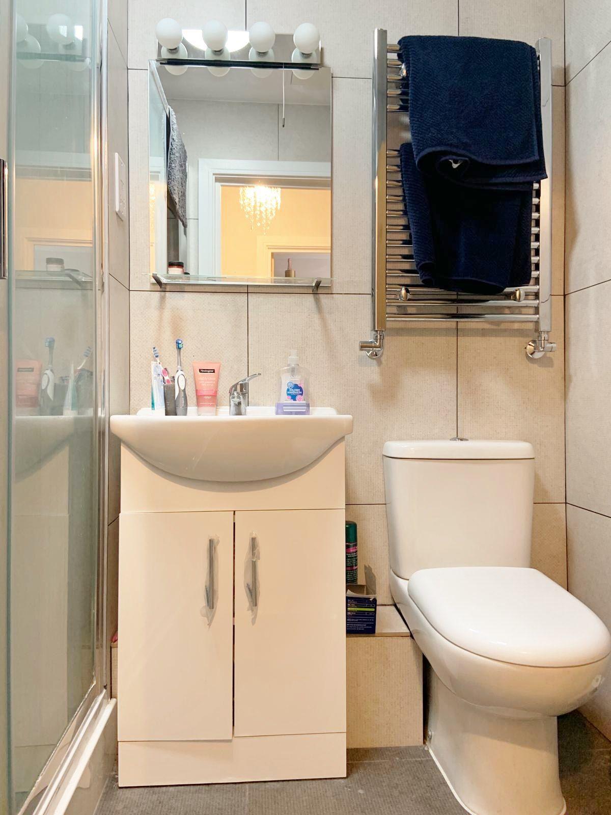 1 bedroom apartment flat/apartment To Let in Kingsbury - Bathroom/shower