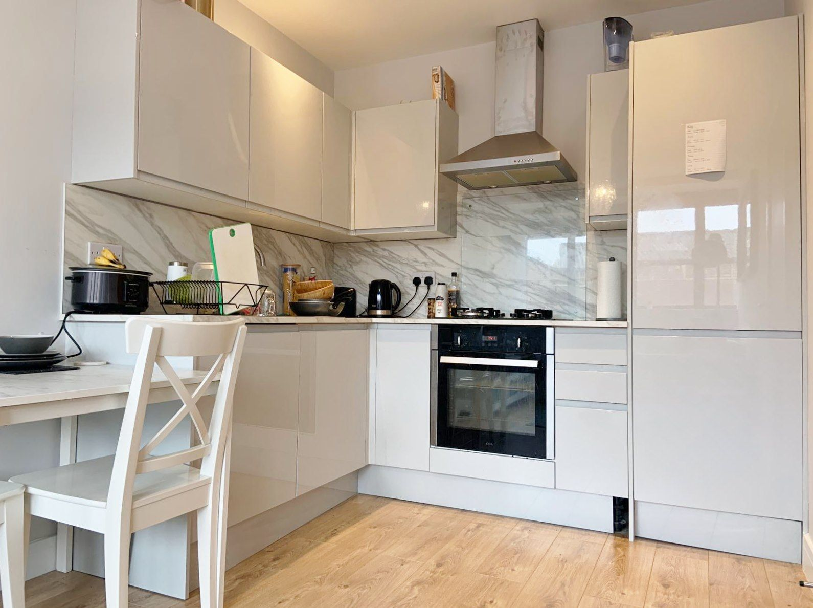 1 bedroom apartment flat/apartment To Let in Kingsbury - Laminated floors