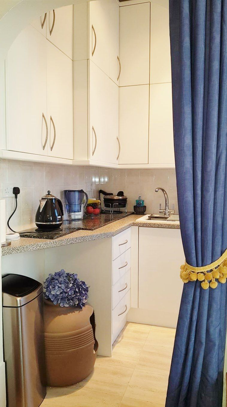 2 bedroom flat flat/apartment To Let in London - KITCHEN STORAGE