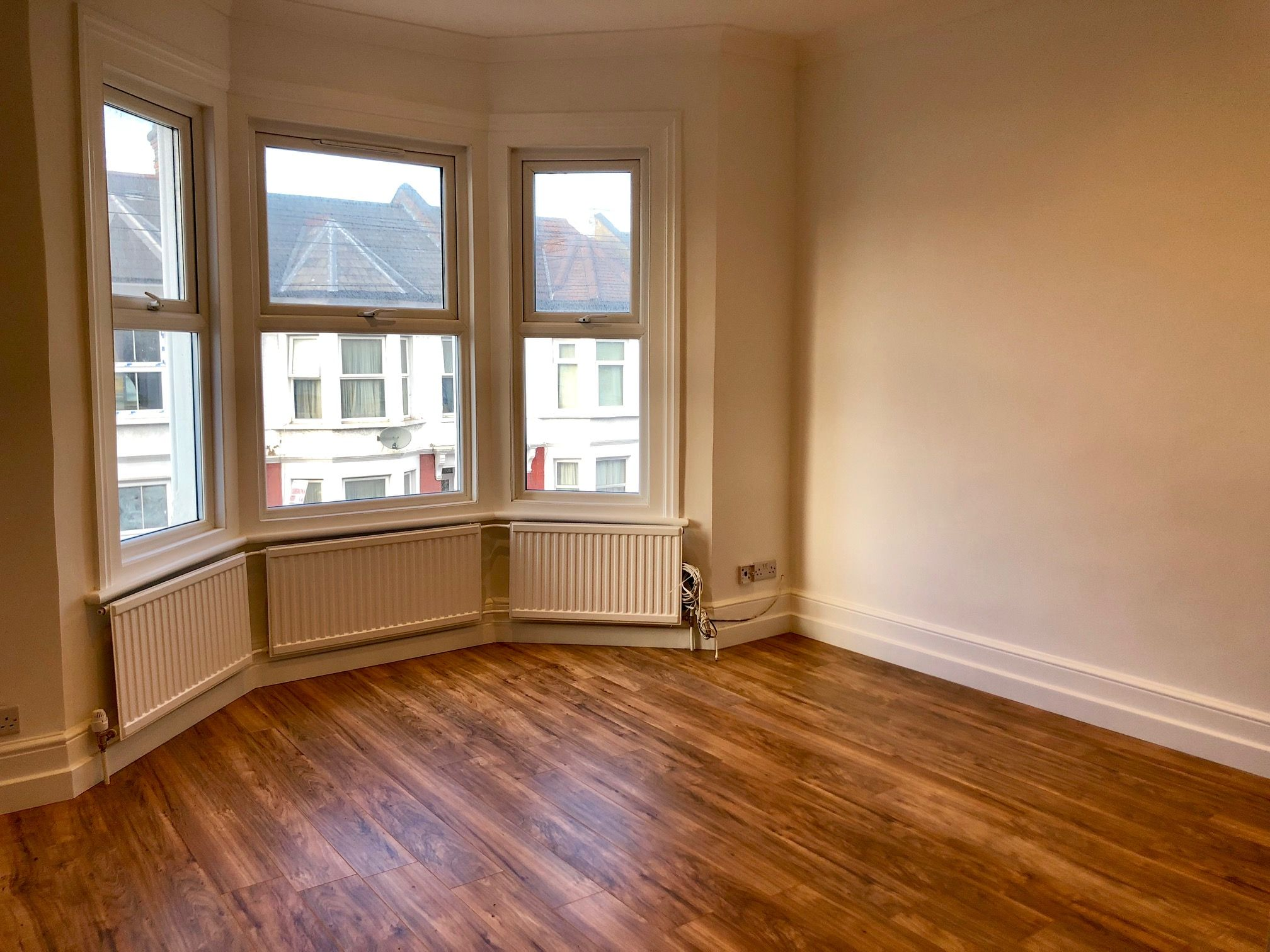 3 bedroom flat flat/apartment To Let in London - OPEN PLAN LIVING