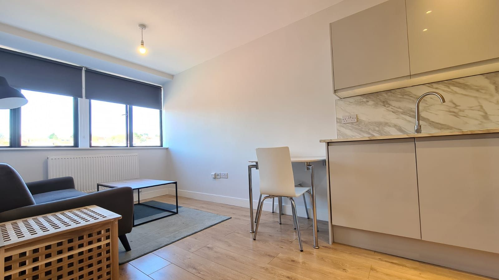 1 bedroom flat flat/apartment To Let in Kingsbury - Living/Kitchen area