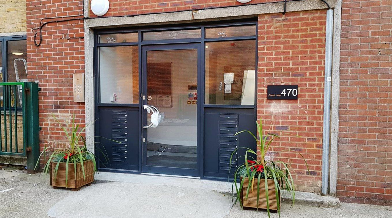 1 bedroom flat flat/apartment To Let in Kingsbury - Entrance and mailboxes