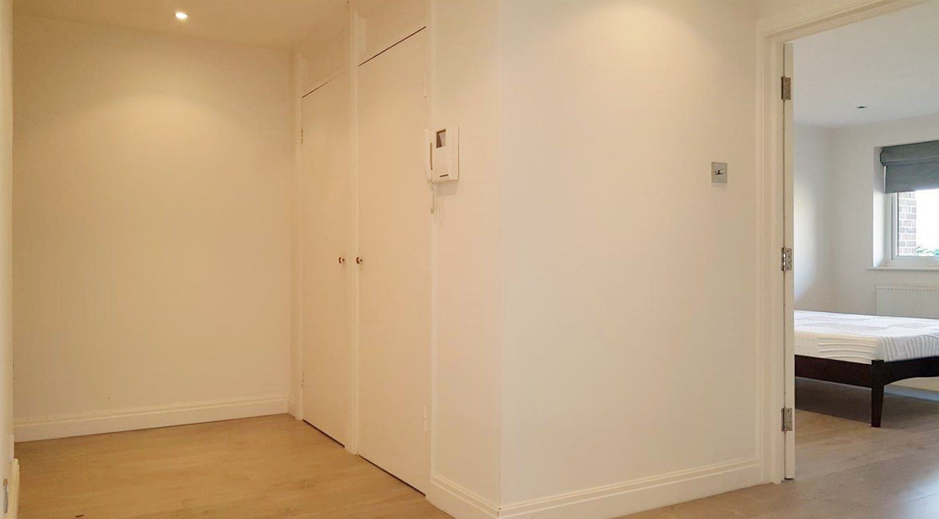 2 bedroom apartment flat/apartment To Let in Stanmore - Additional Storage