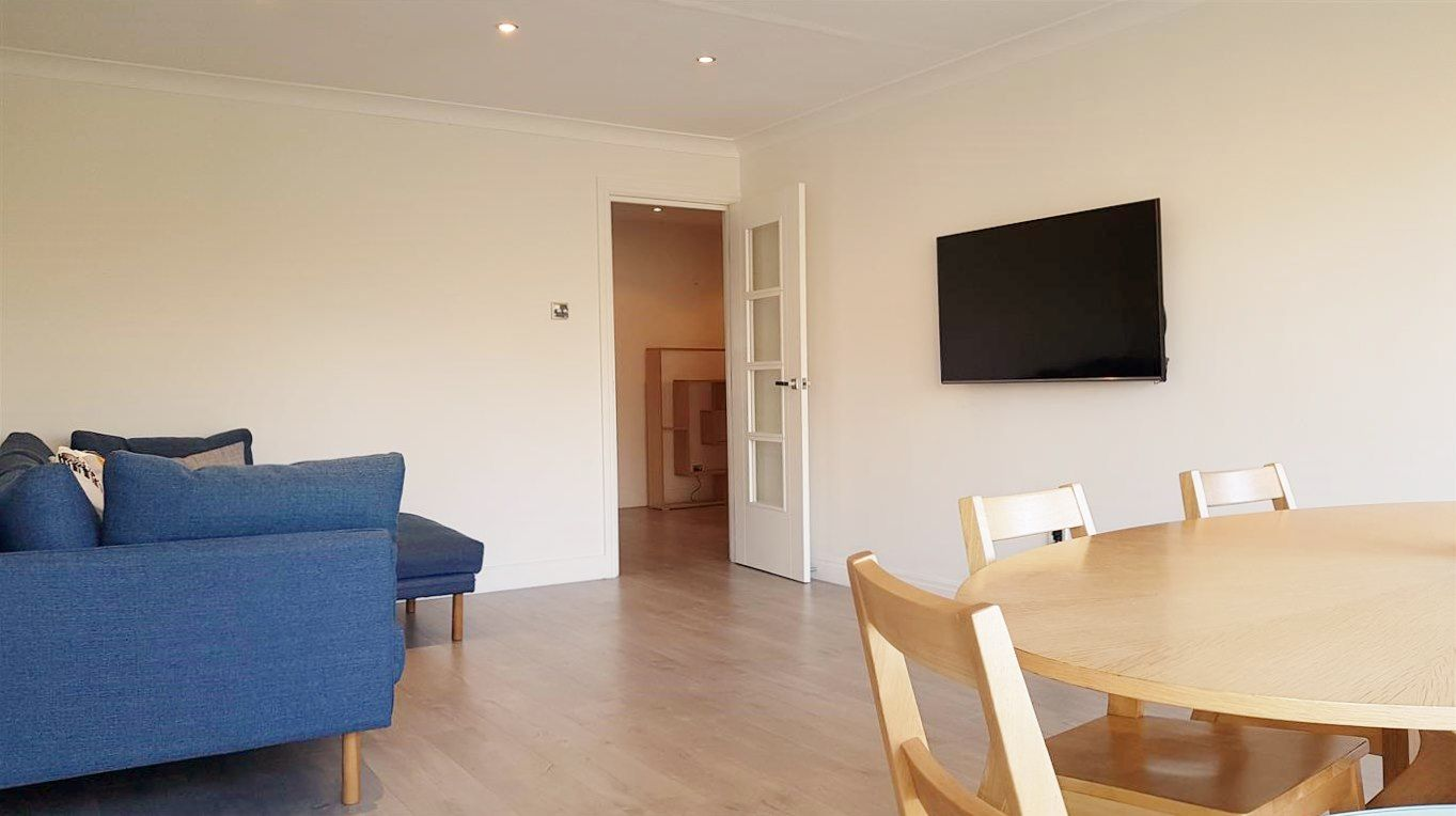 2 bedroom apartment flat/apartment To Let in Stanmore - Modern Furnishings