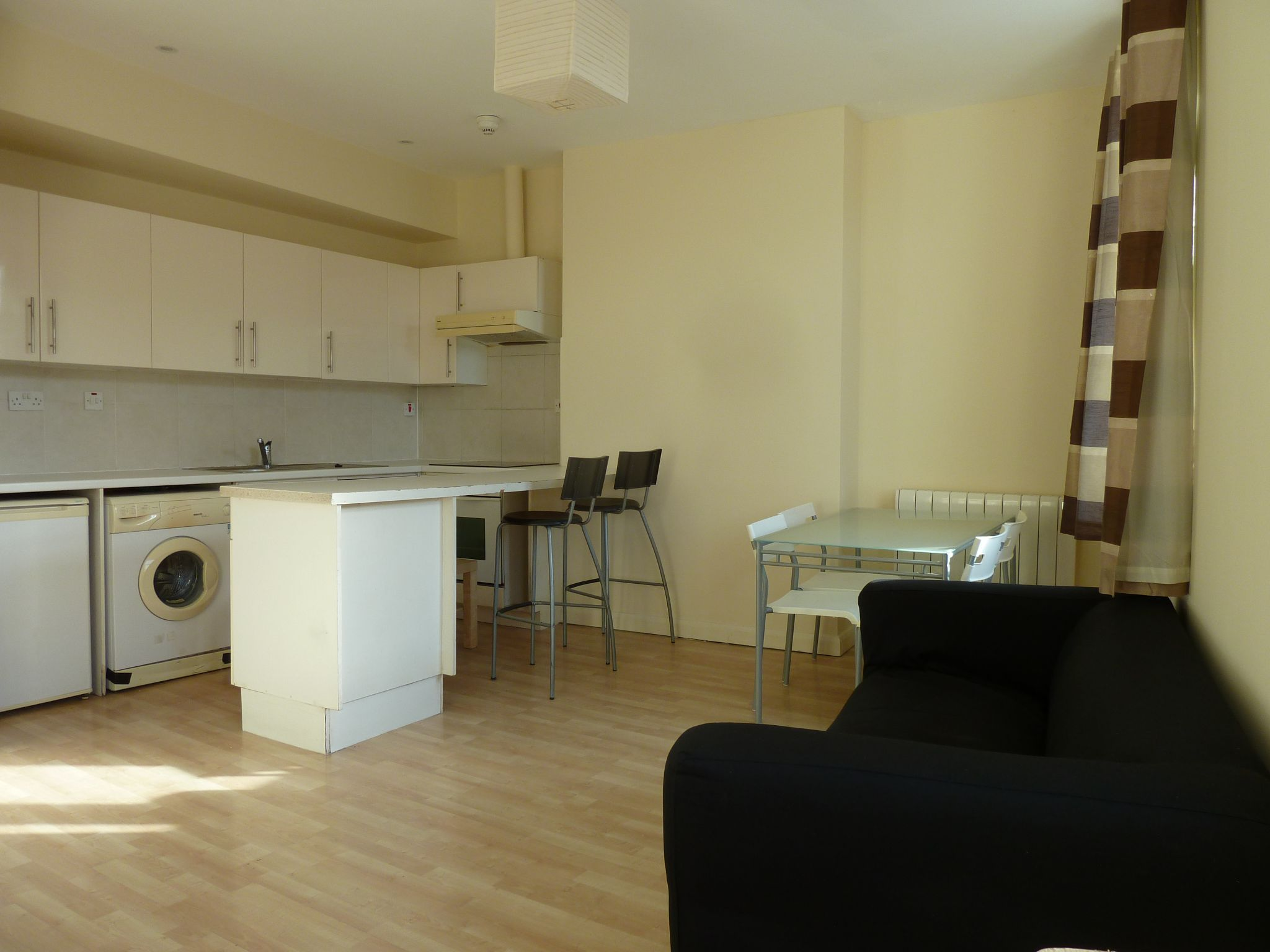 1 bedroom apartment flat/apartment To Let in London - OPEN PLAN FULLY FITTED KITCHE