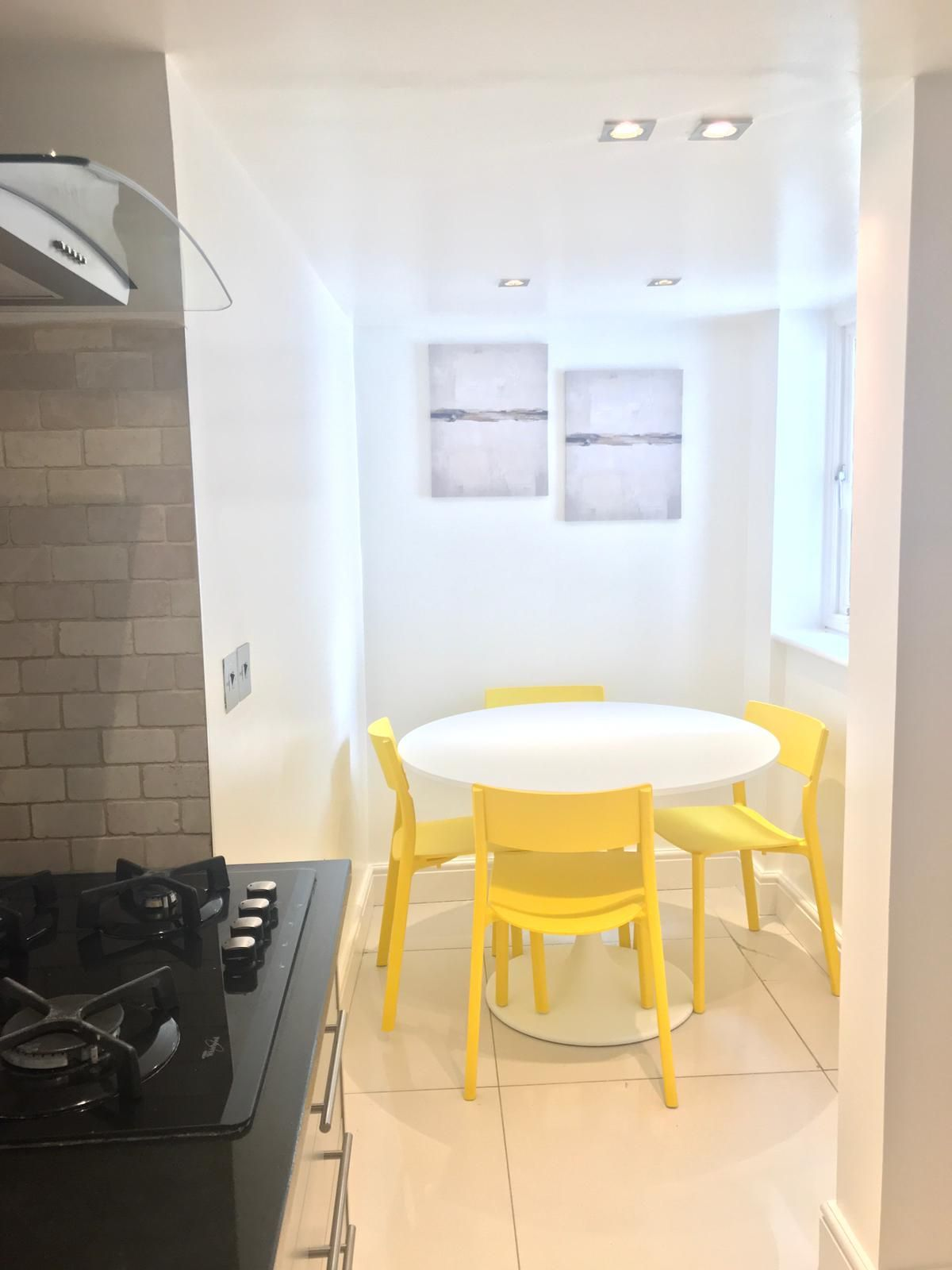 2 bedroom flat flat/apartment To Let in London - Dining area