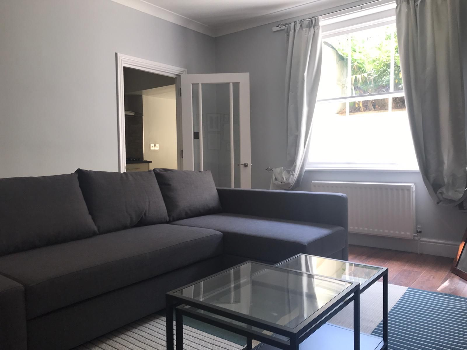 2 bedroom flat flat/apartment To Let in London - Living room/Gas central heating