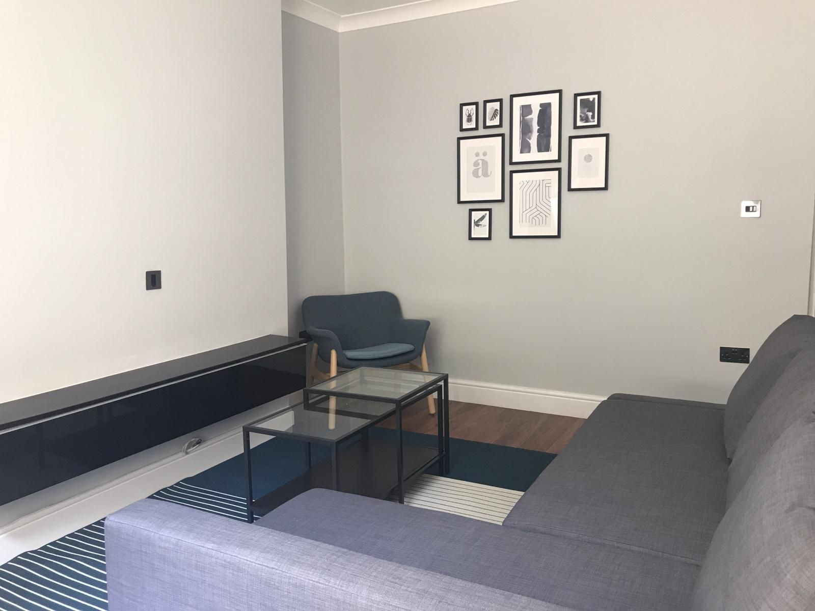 2 bedroom flat flat/apartment To Let in London - Modern Living room