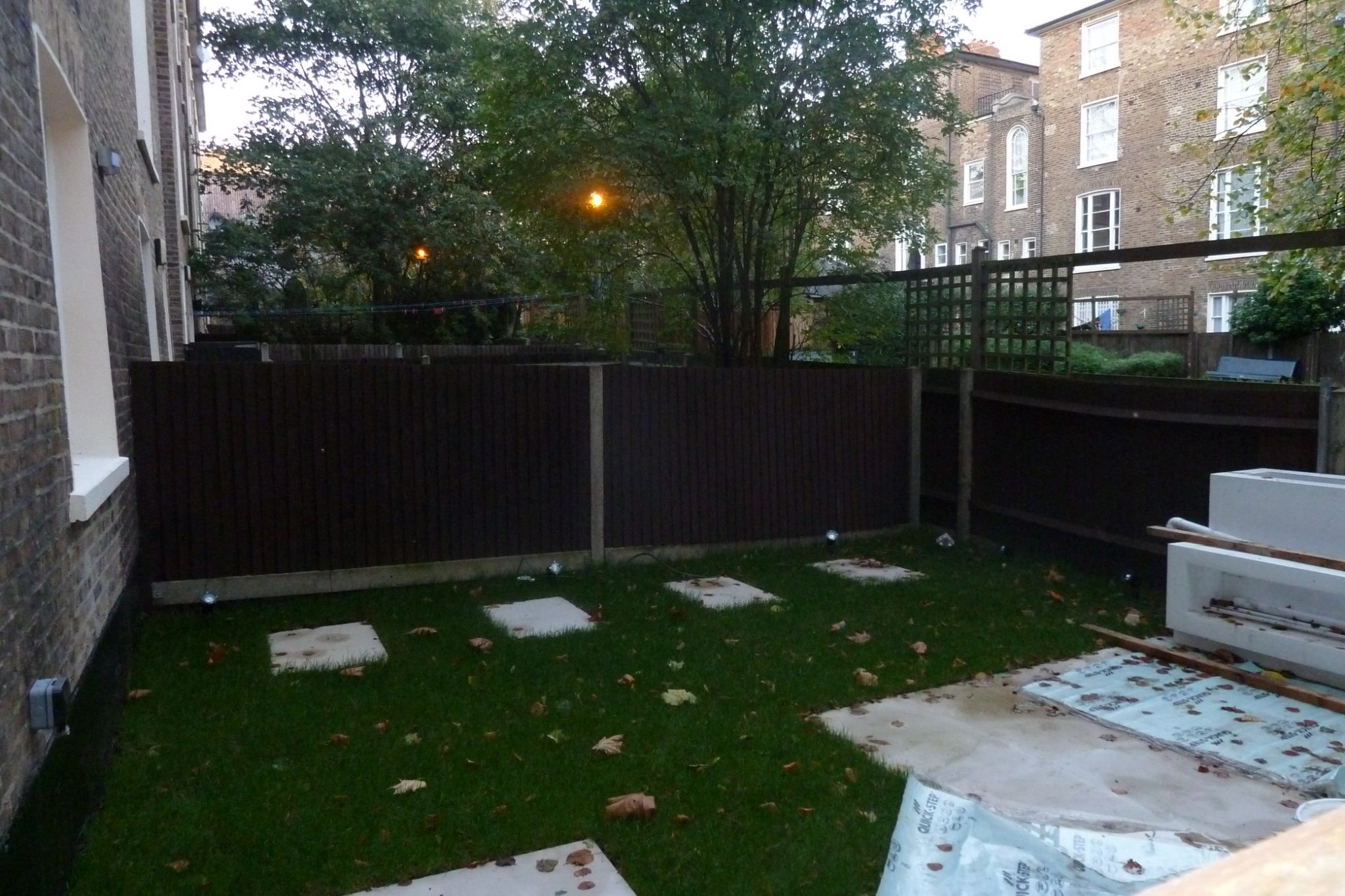 2 bedroom flat flat/apartment To Let in London - Private back garden