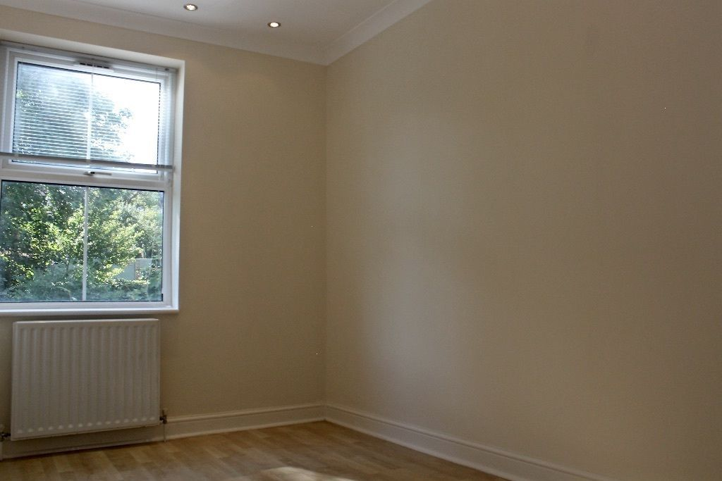 2 bedroom flat flat/apartment To Let in London - Double Bedroom/ Double Glazed Windows
