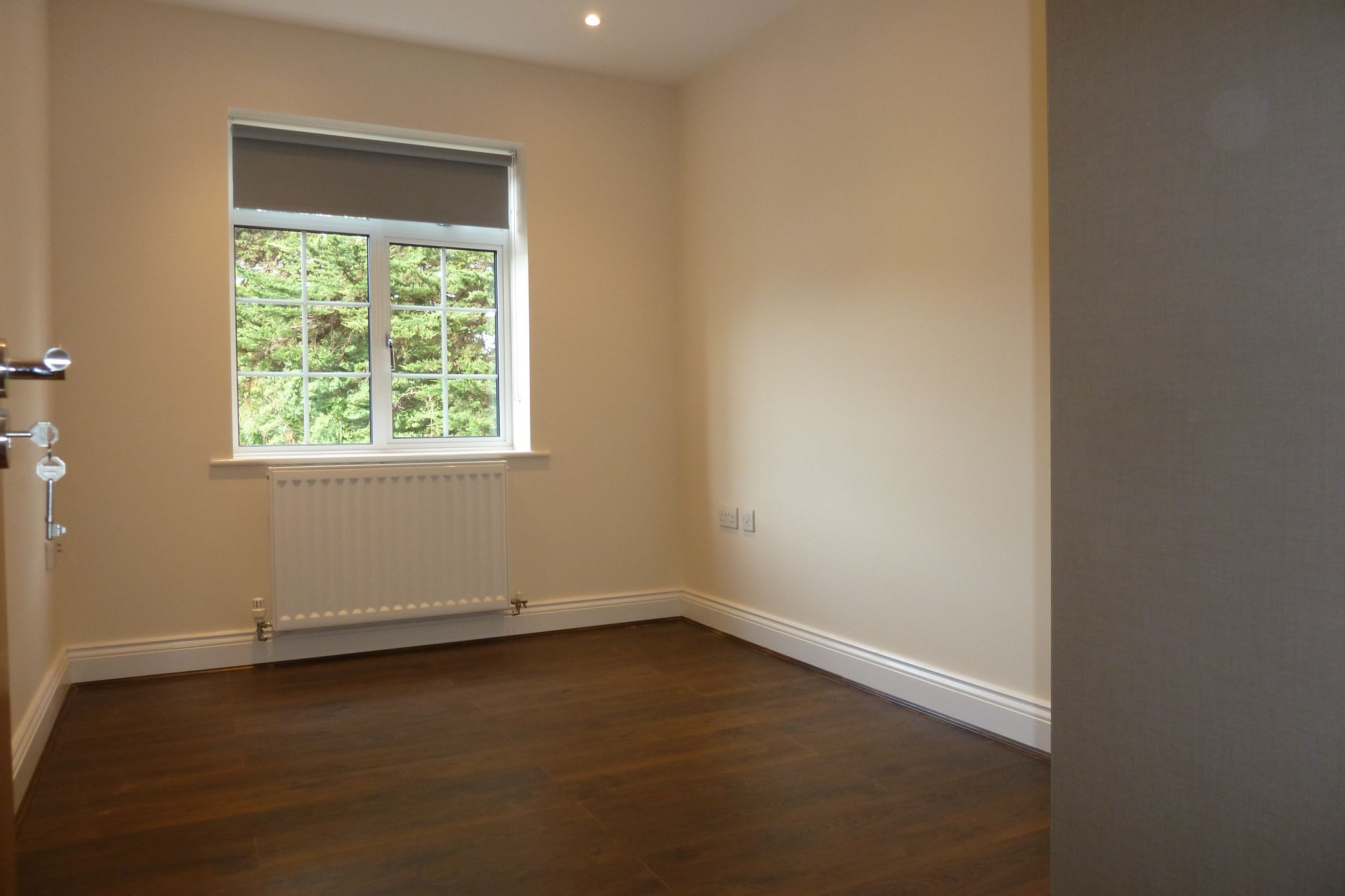 2 bedroom apartment flat/apartment Under Offer in Harrow On The Hill - Second Double Bedroom