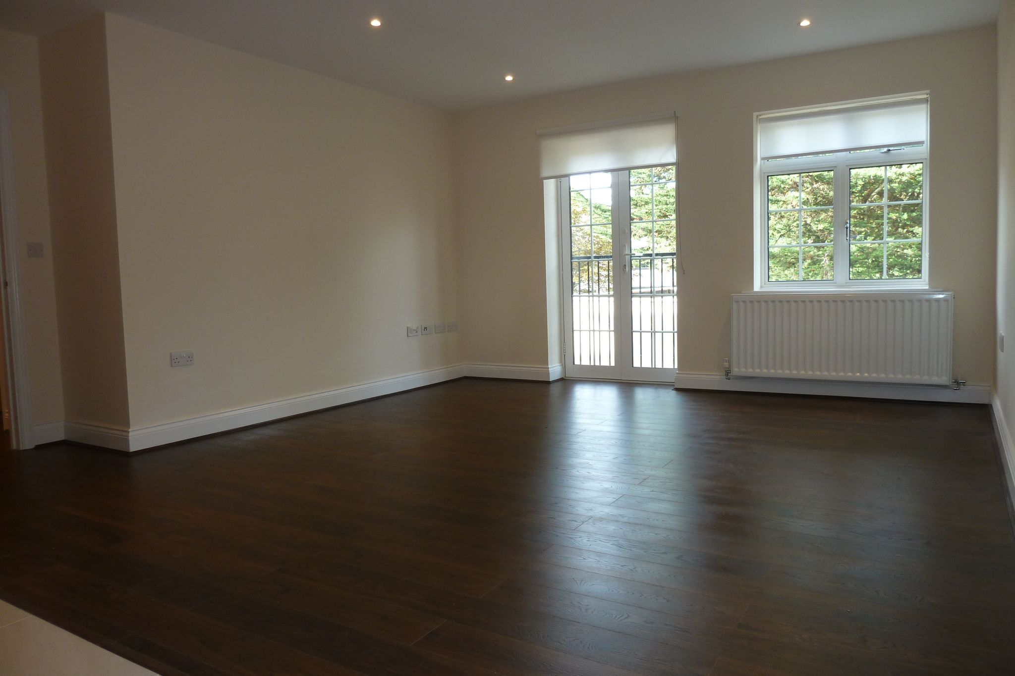 2 bedroom apartment flat/apartment Under Offer in Harrow On The Hill - Laminate flooring throughout