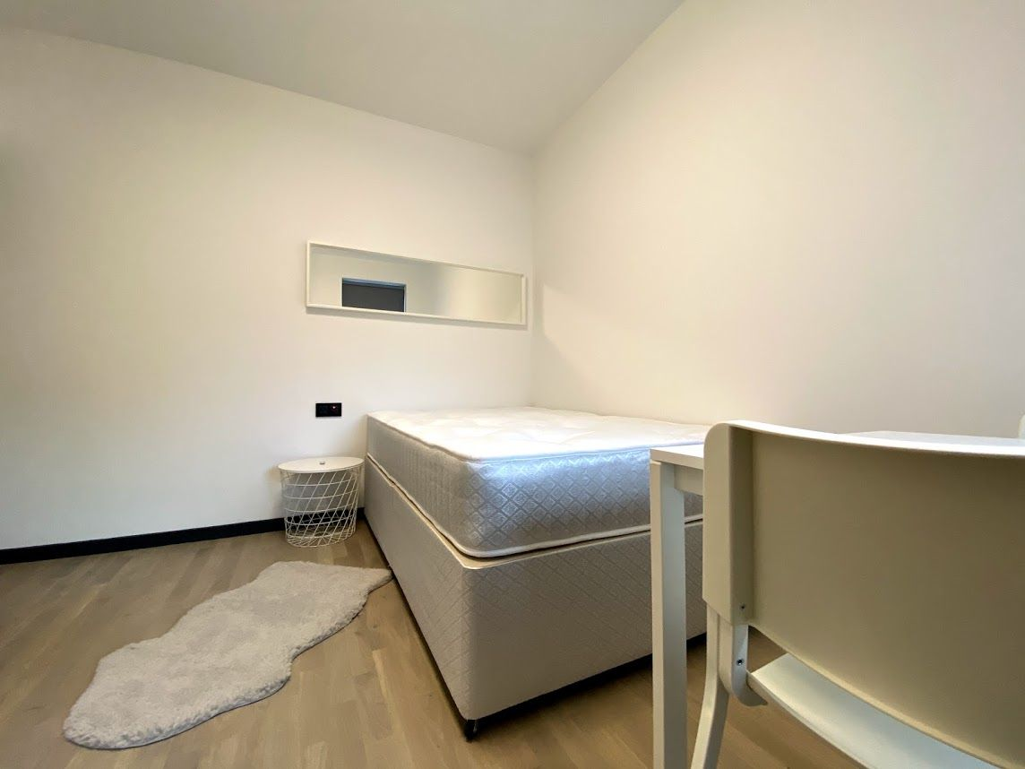 1 bedroom shared house To Let in Willesden Green - Modern Decor