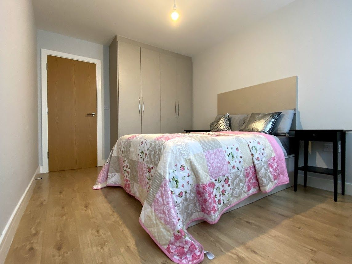 1 bedroom flat flat/apartment To Let in Kingsbury - DOUBLE BEDROOM/FITTER WARDROBES