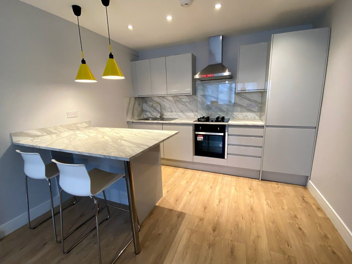 1 bedroom flat flat/apartment To Let in Kingsbury - FITTED KITCHEN/WASHING MACHINE