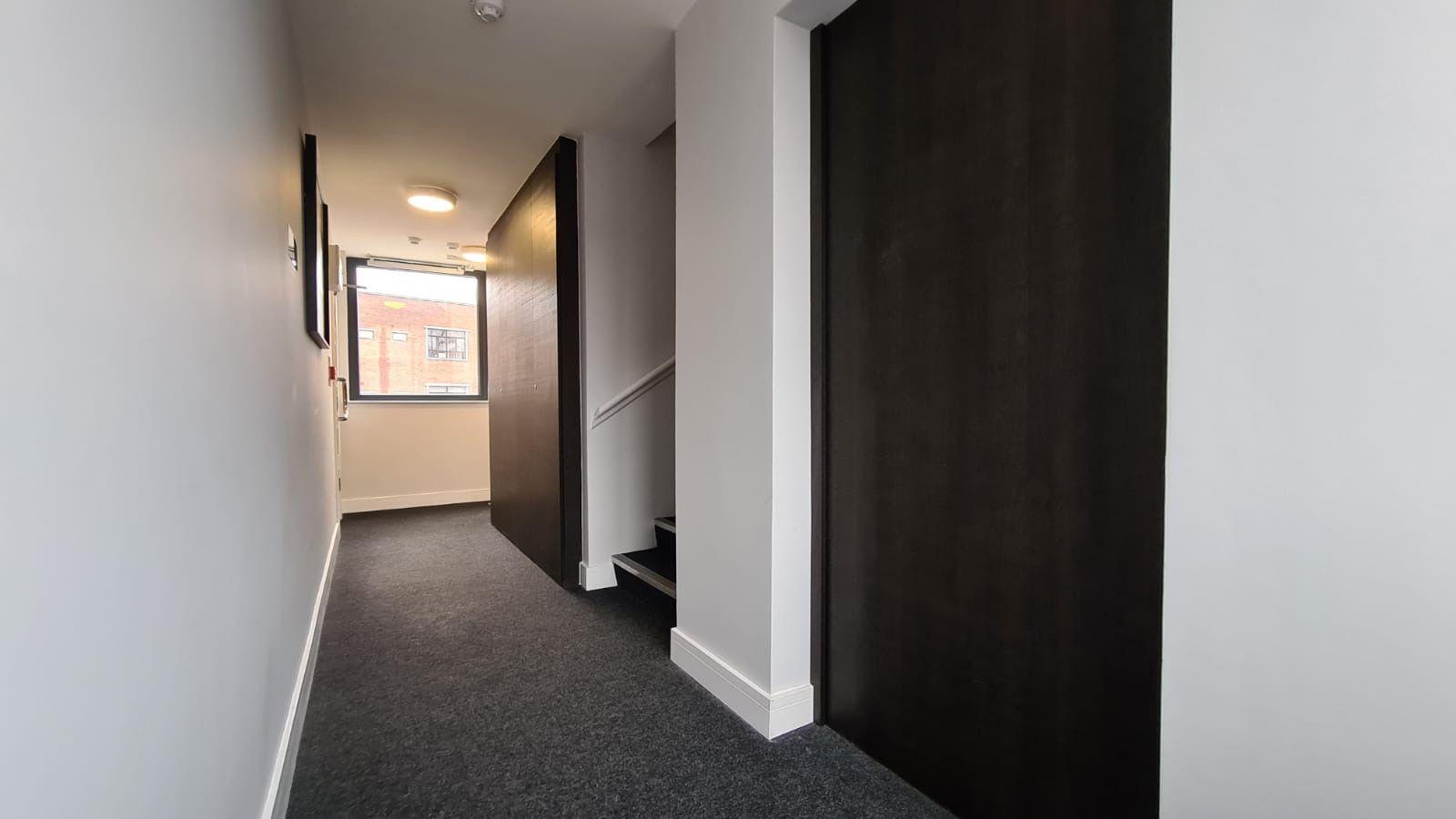 1 bedroom flat flat/apartment To Let in Kingsbury - Communal Hallway