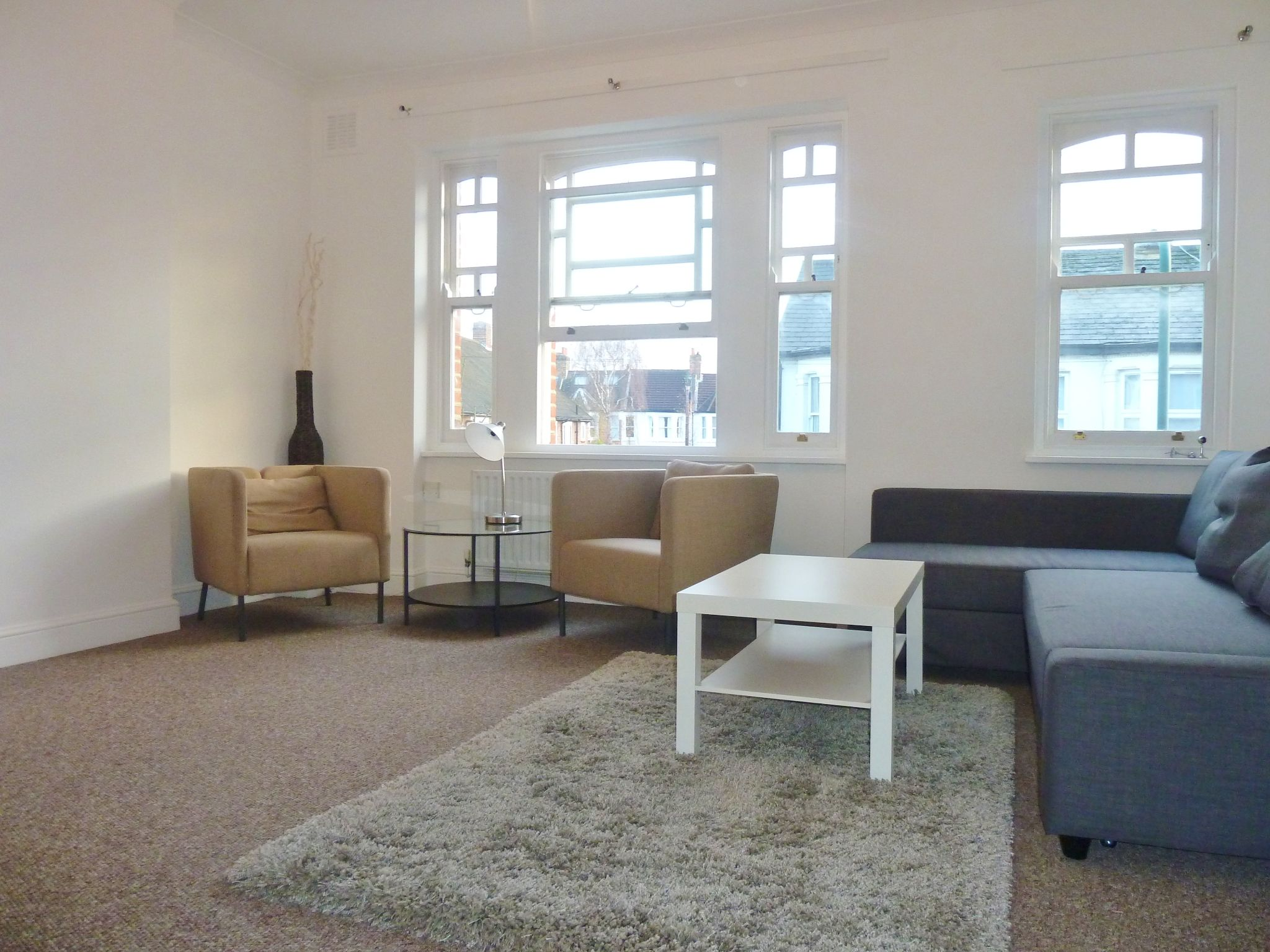 1 bedroom flat flat/apartment To Let in London - Large Reception