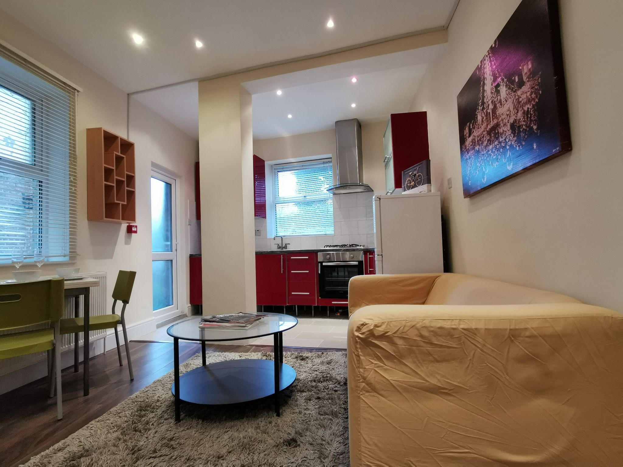 1 bedroom apartment flat/apartment To Let in London - Open Plan Living