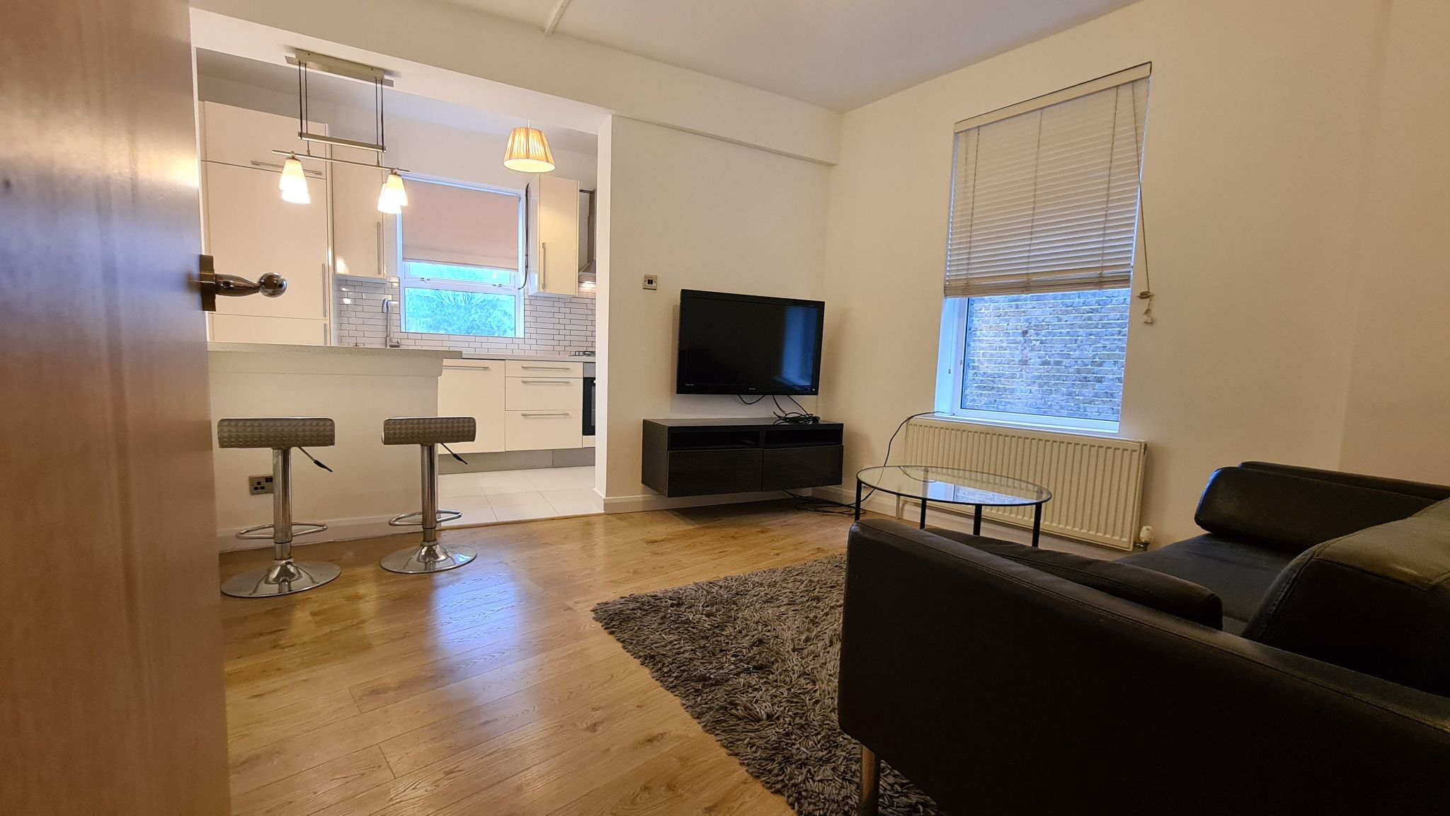 2 bedroom apartment flat/apartment To Let in Willesden Green - Open Plan Living