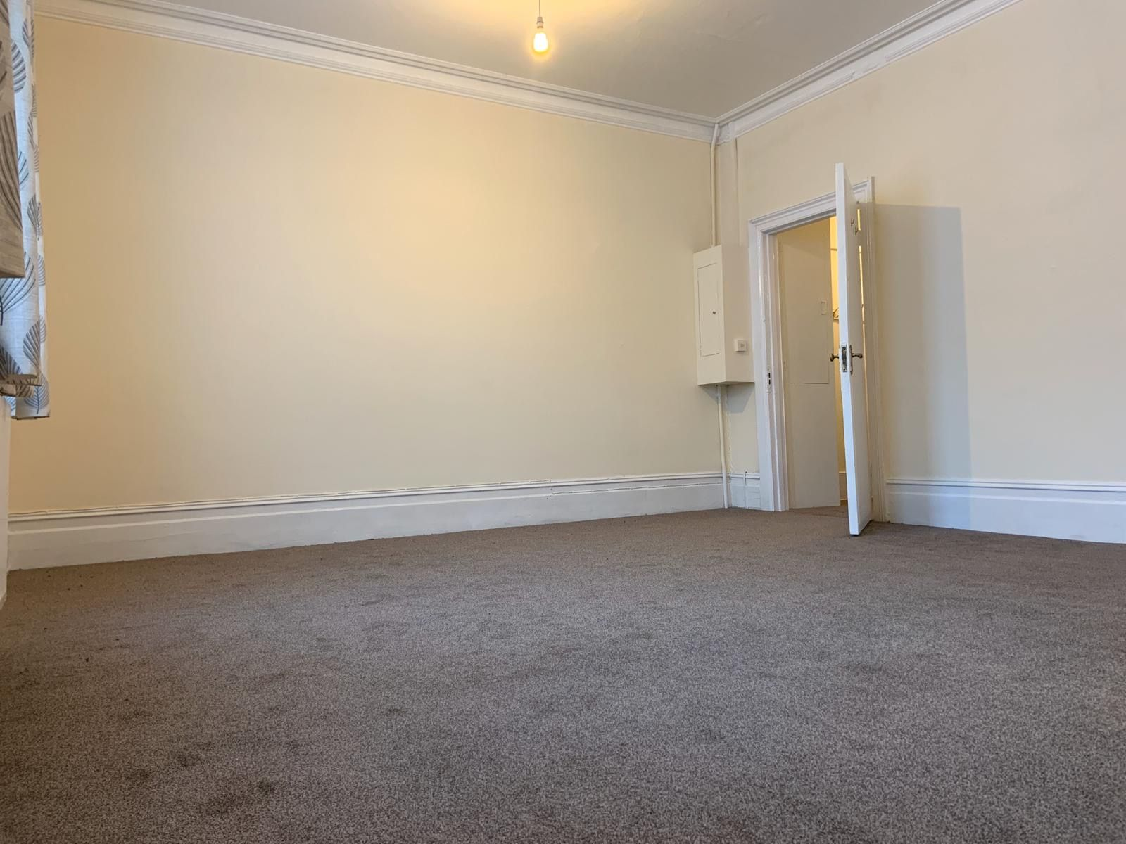 4 bedroom apartment flat/apartment To Let in Willesden - Bedroom Two
