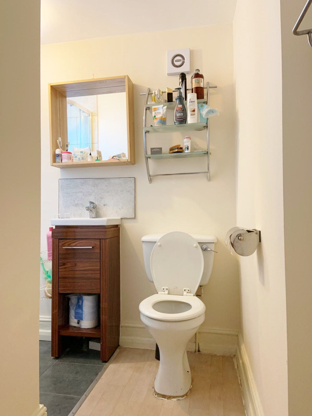 1 bedroom apartment flat/apartment To Let in London - BATHROOM.