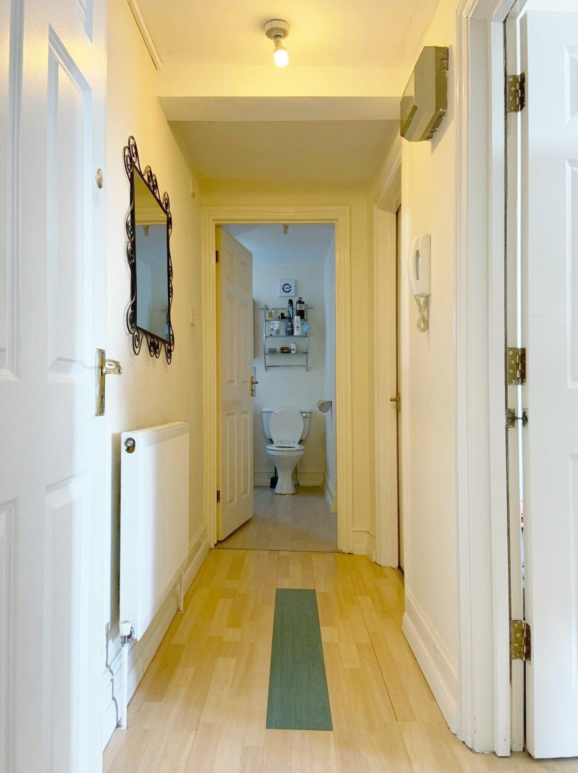 1 bedroom apartment flat/apartment To Let in London - HALLWAY/ENTRY PHONE