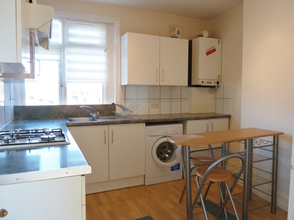 1 bedroom apartment flat/apartment To Let in London - KITCHEN/WASHING MACHINE